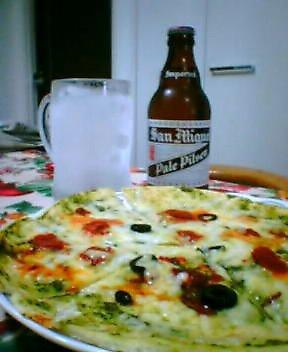 SAN_Miguel_with_pizza